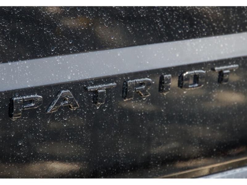 2014-jeep-patriot-blackhawk-cvt-191