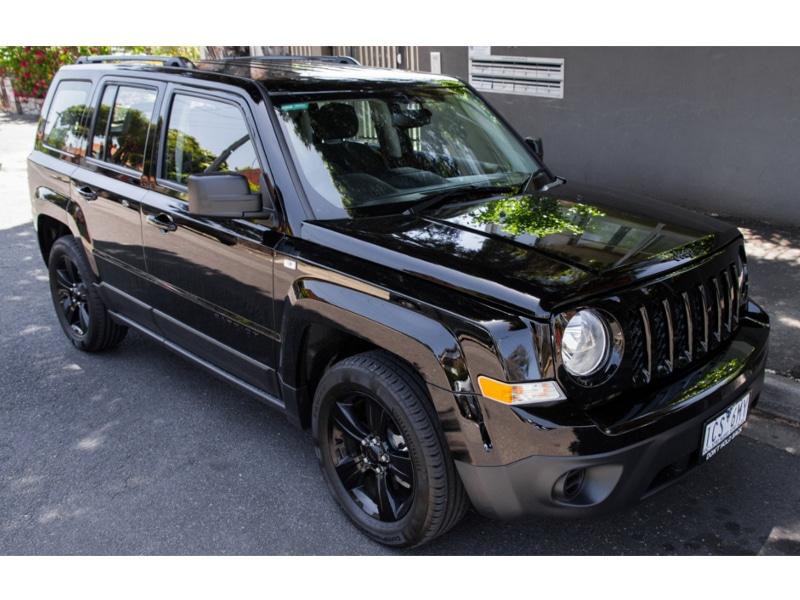 2014-jeep-patriot-blackhawk-cvt-221
