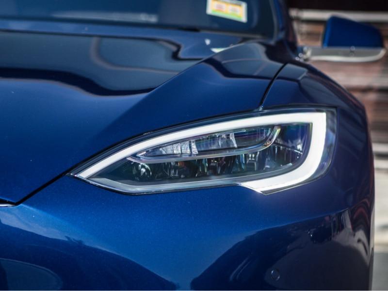 2016-Tesla-Model-S-75d-11