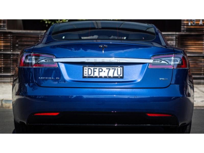 2016-Tesla-Model-S-75d-31