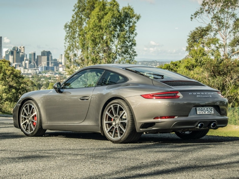 2017-Porsche-911-Carrera-S-Review-2