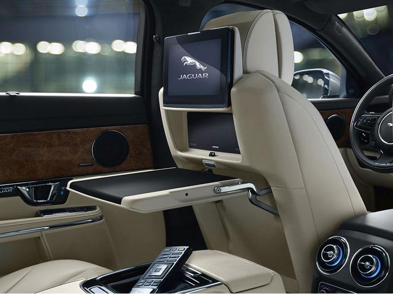 Jaguar XJ (2)