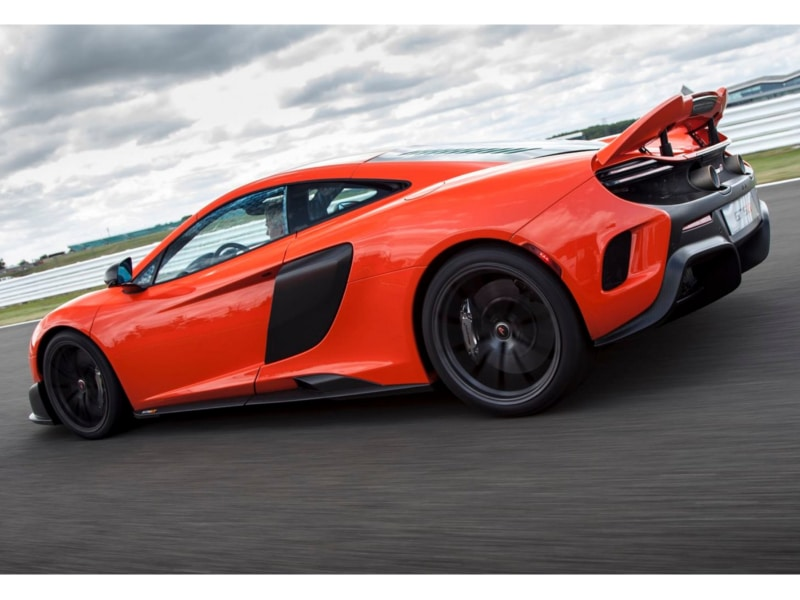 McLaren-675LT-track19