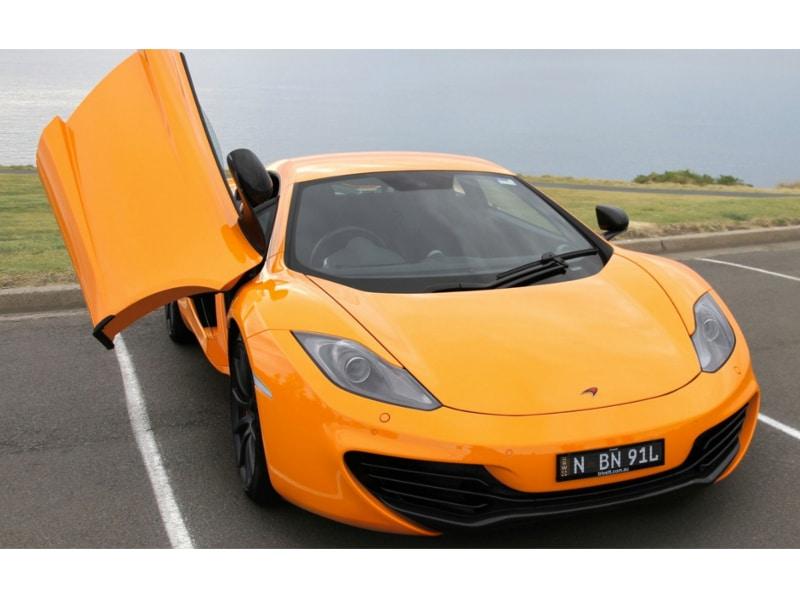 McLaren-MP4-12-driver-door-open