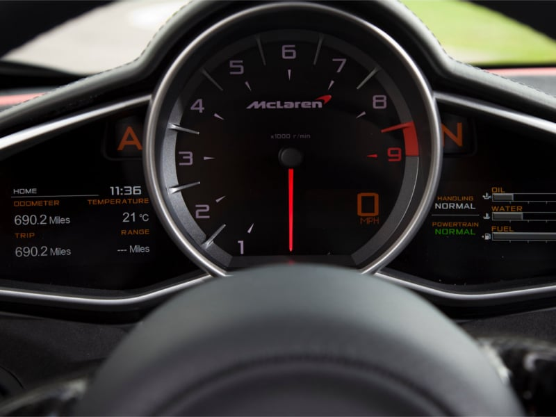 McLaren-MP4-12C-instrument-cluster