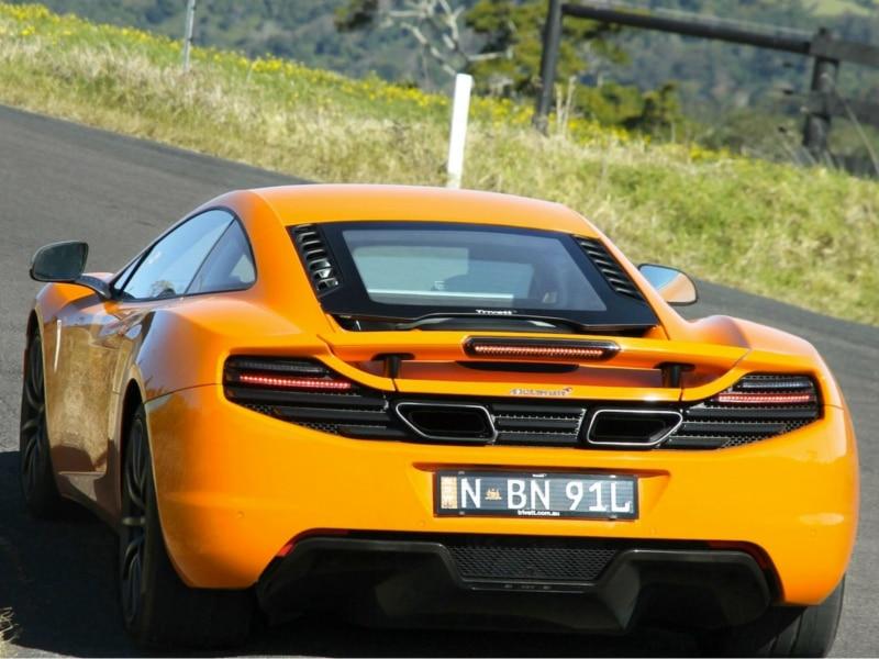 McLaren-MP4-12C-uphill