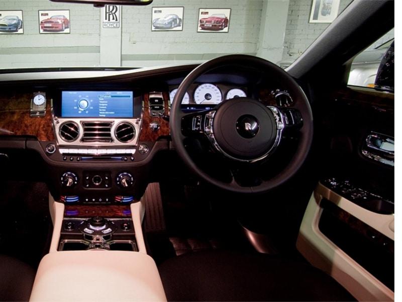 Rolls-Royce-Ghost-9