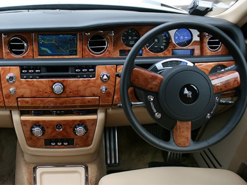Rolls-Royce-Phantom-9
