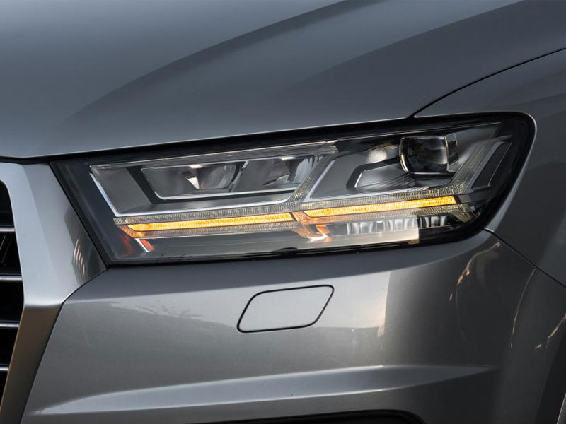 audi-q7-suv-2015-headlight