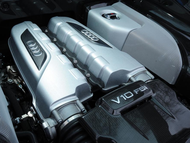 audi-r8-coupe-10-engine_0_0