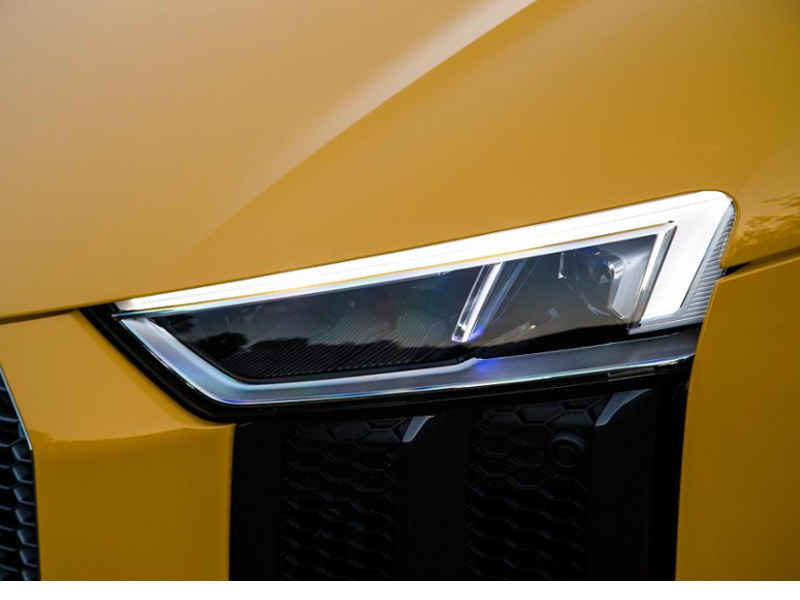 audi-r8-spyder-headlight