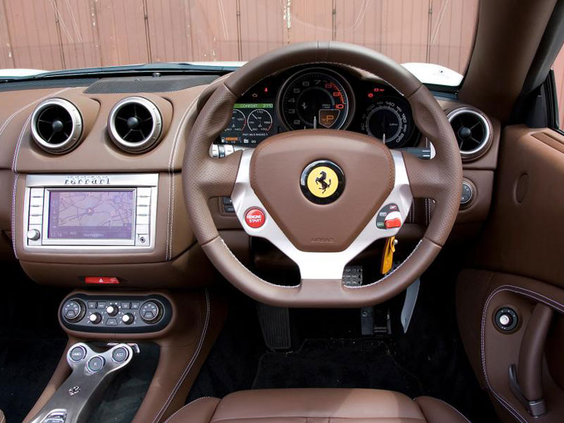 ferrari-california-1_0