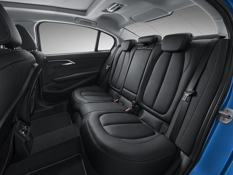2017-bmw-1-series-sedan-11_1600x0w