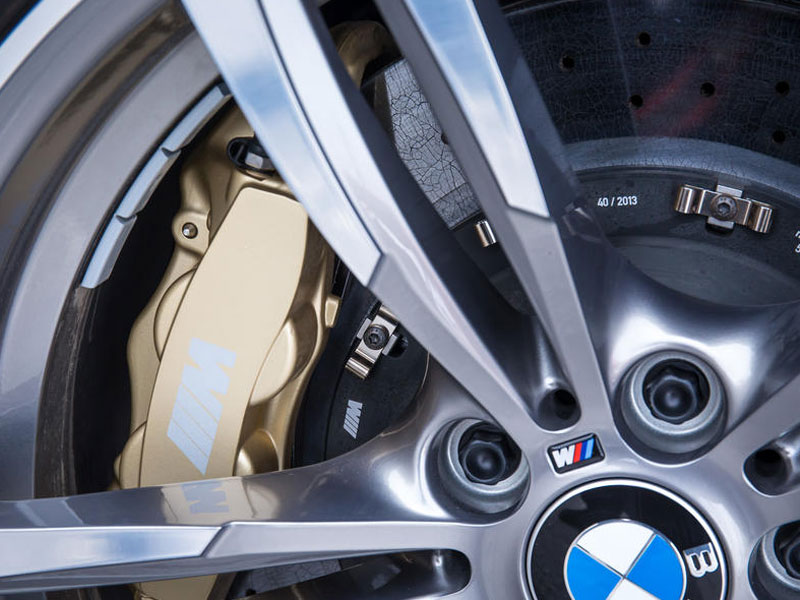 bmw-m3-brake-calipers