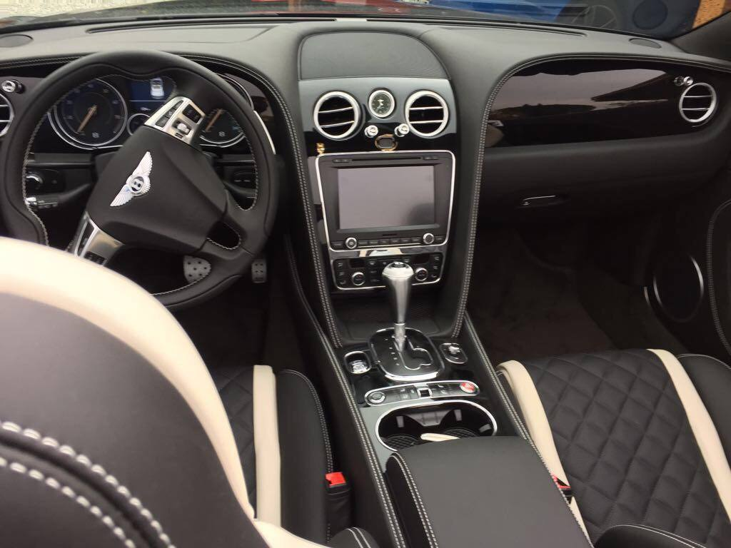 bentley gtc front inside