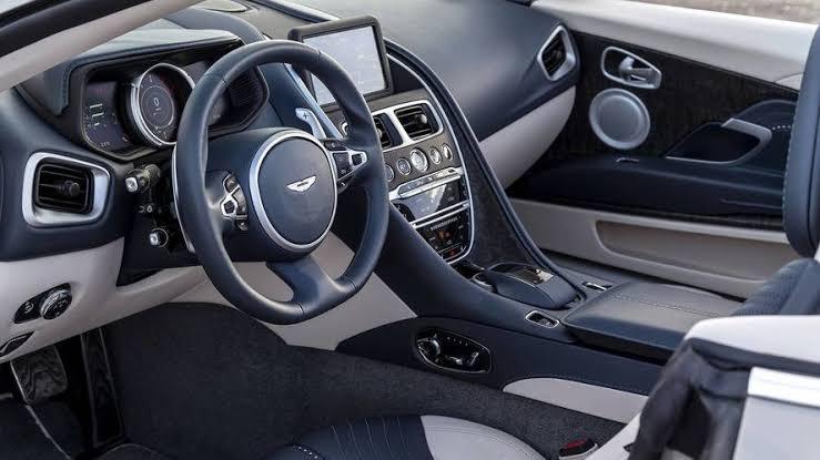 Aston Martin DB11.,