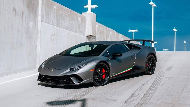 Lamborghini Huracan Performante...