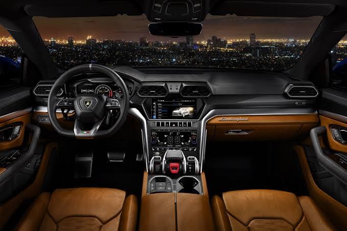 Lamborghini Urus....